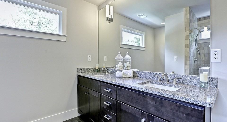 HR Staging and Design - Atlanta GA - Bathroom Staging Atlanta