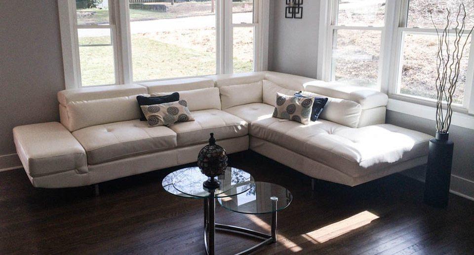 HR Staging and Design - Atlanta GA - Corner Living Room Staging