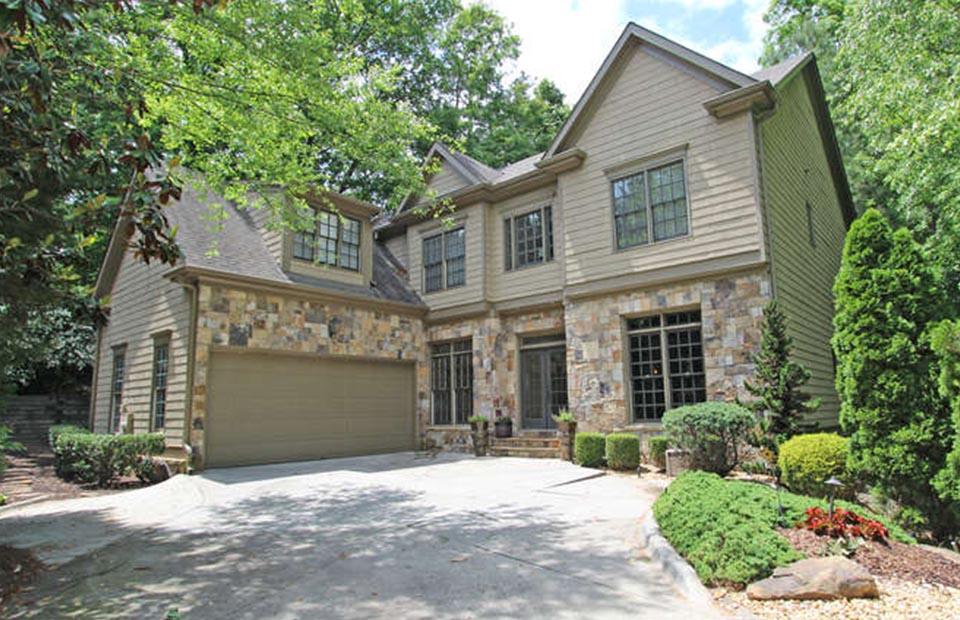 Home Staging in Atlanta GA - exterior front