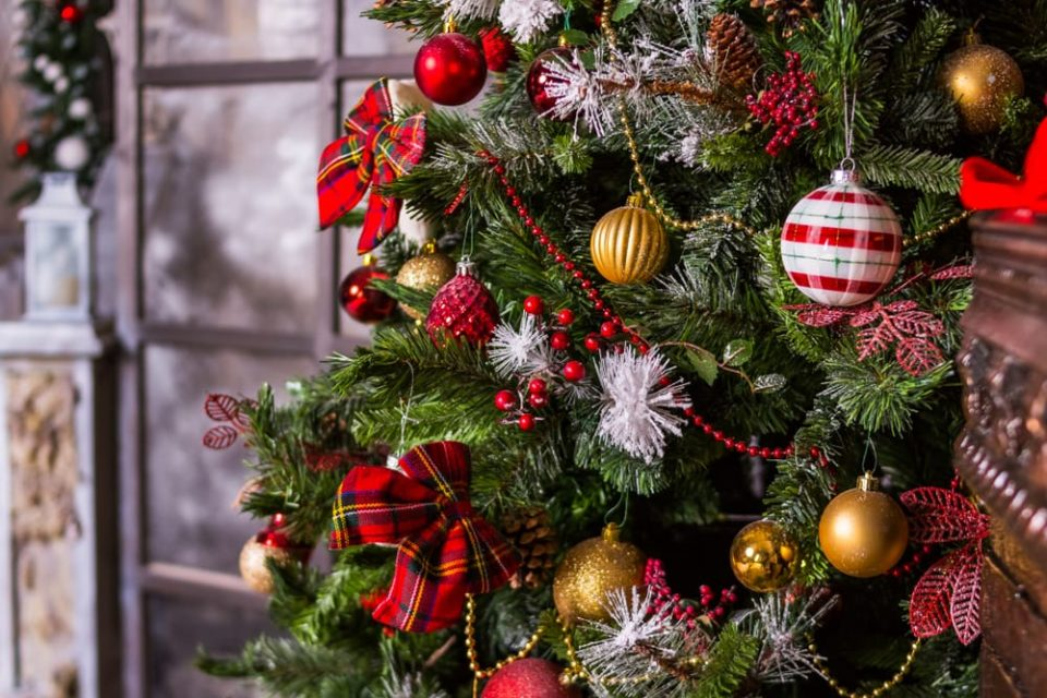 Unique Holiday Themes to Decorate Your Home this Season