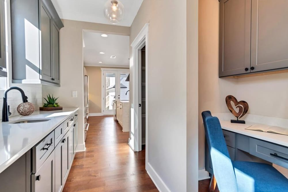 10. Professional Home Staging In Atlanta - HR Staging and Design