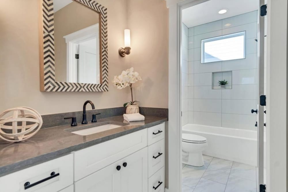 4. Professional Home Staging In Atlanta - HR Staging and Design