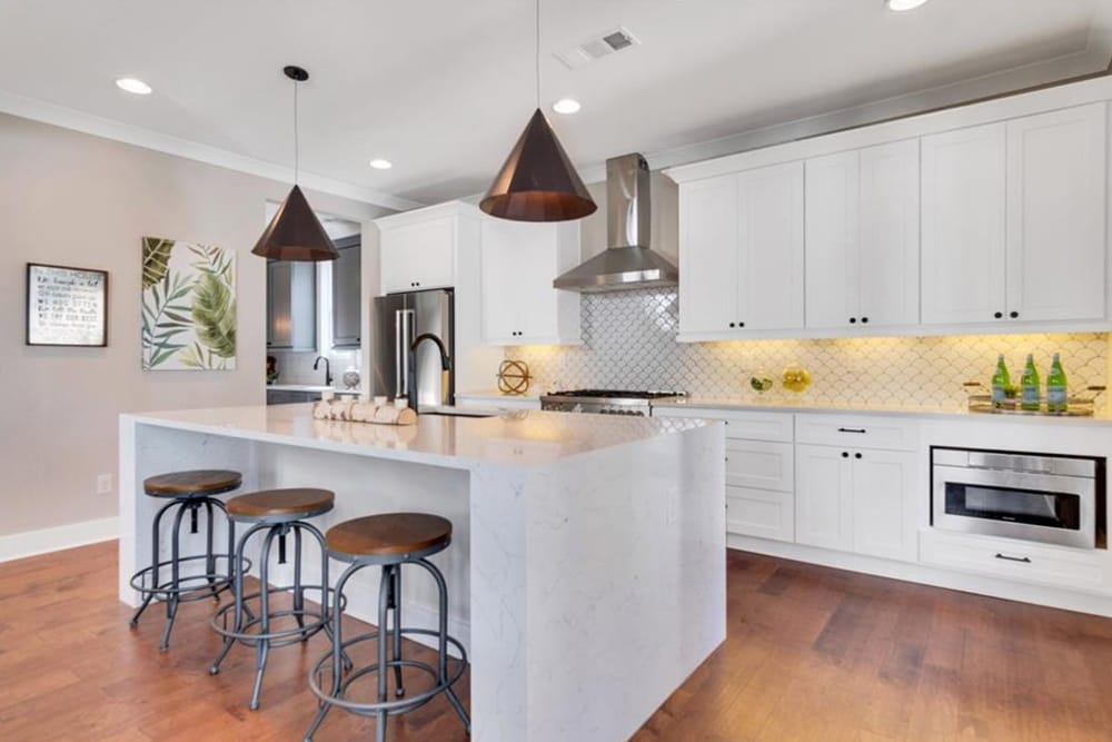 9. Professional Home Staging In Atlanta - HR Staging and Design