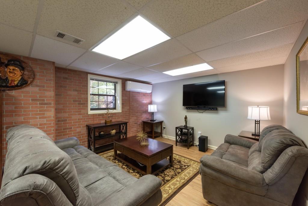 home staging Atlanta 561 Dalrymple Rd Sandy Springs GA 30328