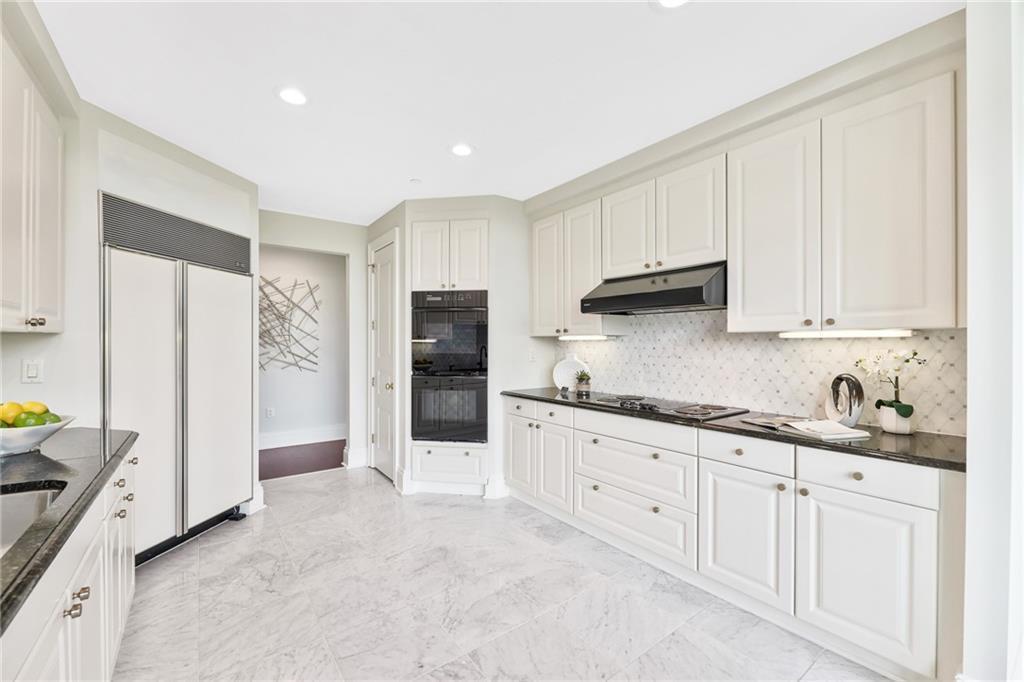 750 Park Ave NE Unit 7N Atlanta GA 30326 - Home Staging Atlanta
